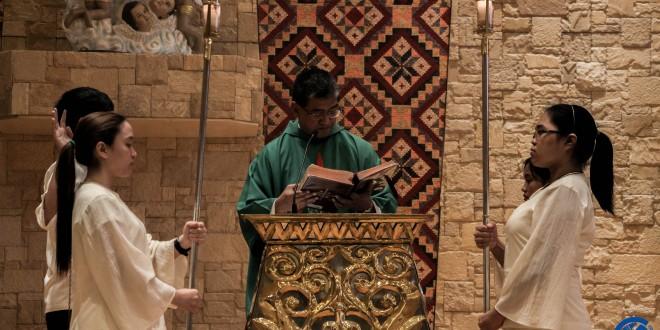 Fr. Ramon Prudencio Toledo, SJ delivering the homily. Photo by Jacymae Kaira Go