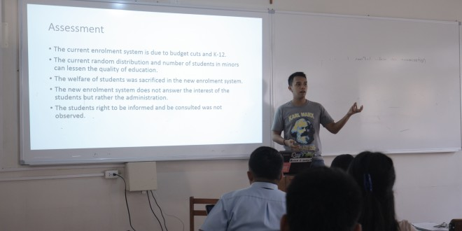 Omar Mañigo presents common issues observed by the party during the enrollment. Photo by Charlotte Billy Sabanal